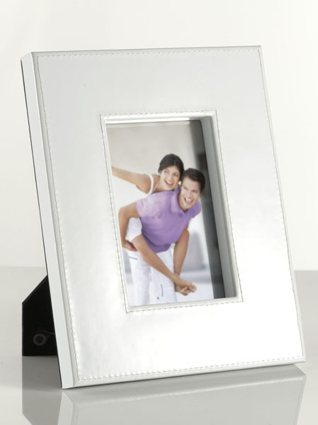 WHITE PHOTO FRAME 10X15CM PVC