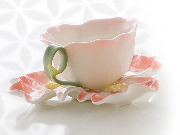 photo of 'Brandani Gift Group: TASSE PIVOINE AVEC SOUCOUPE PORCELAINE'